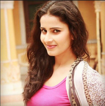 Shivani Tomar | Aditi Chatuvedi | Thapki Pyaar Ki Actress | Gurdaspur | Images | Pics | Wiki | Biography | Wikipedia | Age